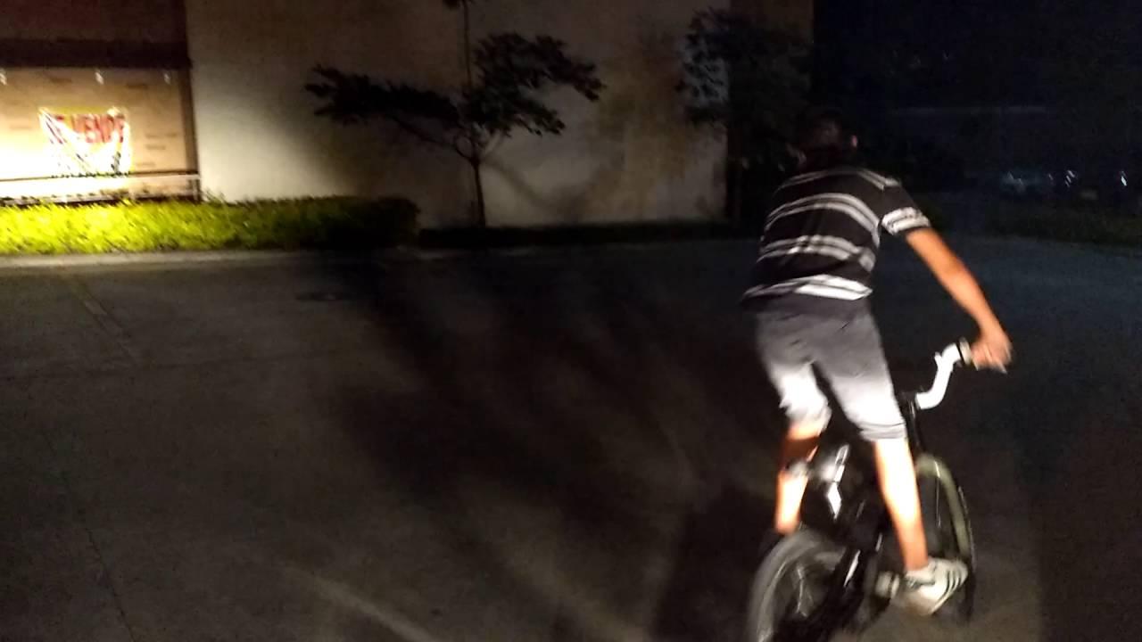 Saltos en bicicleta - YouTube