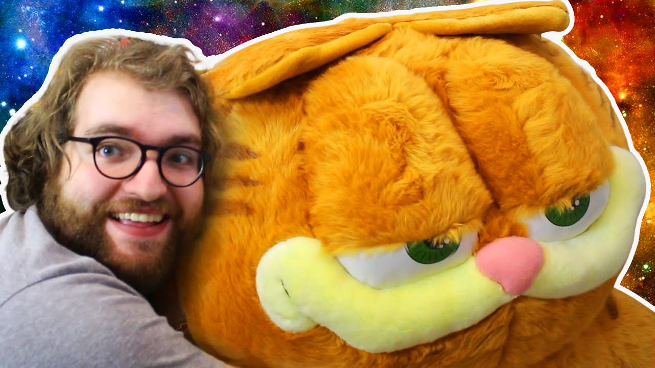 The Largest Garfield Plush In The World Youtube