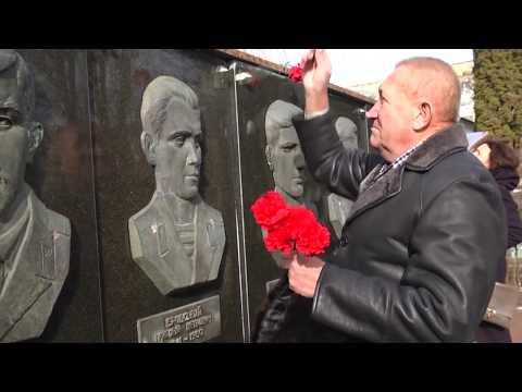 TV7plus Телеканал Хмельницького. Україна: У Волочиському районі вшанували загиблих земляків, які не повернулися додому з Афганістану.
