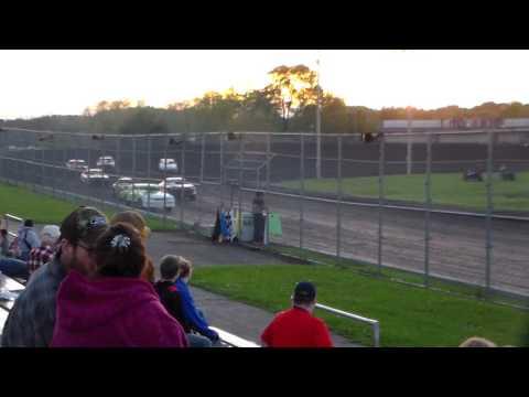 Stock Car Heat 2 @ Boone Speedway 05/27/17