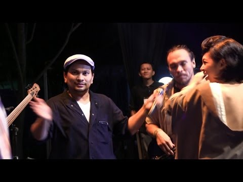 Tompi ft Dwiki Dharmawan, Andien & Barry Likumahuwa - Treasure @ The 36th JGTC [HD]