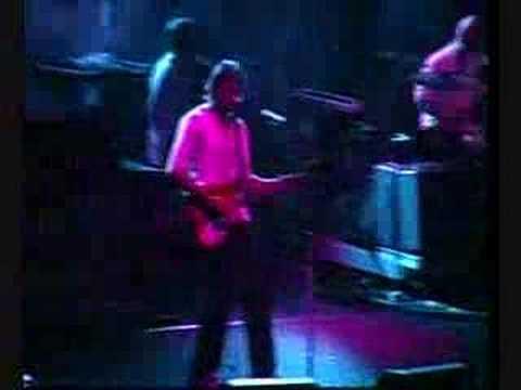 Radiohead - Bones (Live in Nimes 14-07-2003)