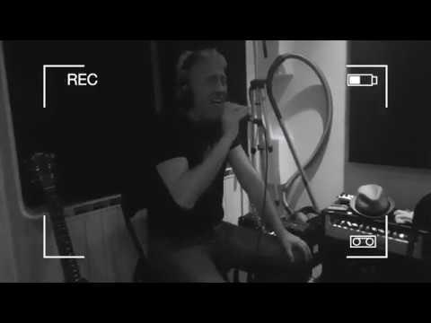 Rolling train - Tina