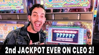 🎉 JACKPOT ON CLEO 2! 💰🦂  Brian's Favorite SECRET VEGAS HIDEAWAY 🌭🍹 Stage Door Casino