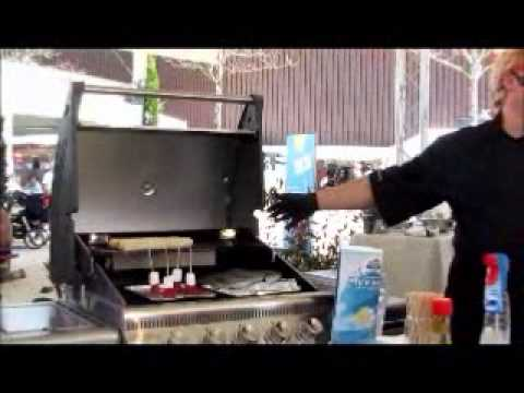 Test Gasgrill Napoleon Triumph 410 : Napoleon der bentley unter den grills youtube