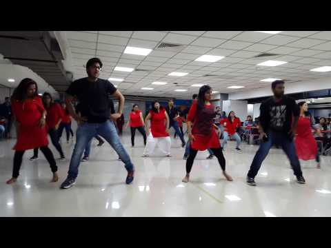 Dell 2016 flash mob - Cheap Thrills, Jabra fan, Kannada song and Kaala Chashma,