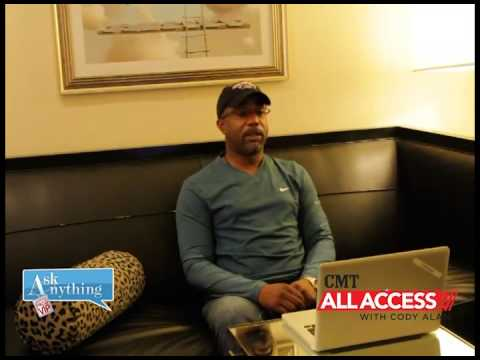 Darius Rucker Interactive Chat w/ Cody Alan After Midnite - AskAnythingChat