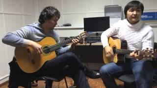 Download Казахский гитарист Жаксыбек и Бауыржан - жастык жалыны Mp3 and Videos