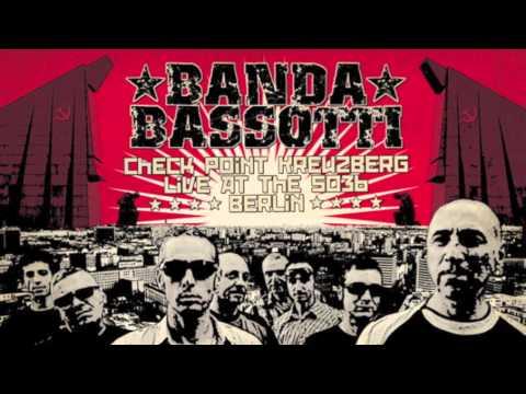 Banda Bassotti - Rigurgito Antifascista (feat. OZulù)