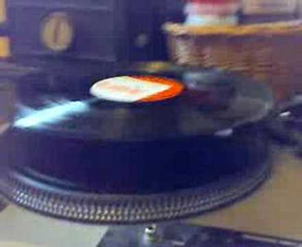 How to play a record backwards: oldschool!