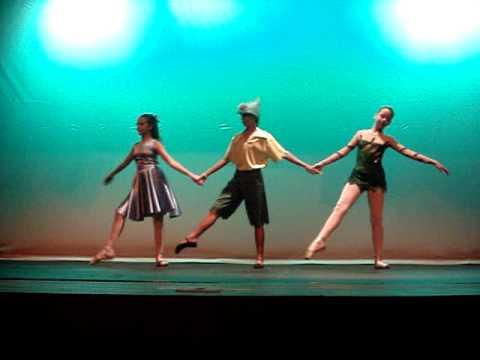"""Ballet  Pamela Lima-Festival 2010-""Laila Braga,Thiago Henrique E Beatriz Pizzi"""