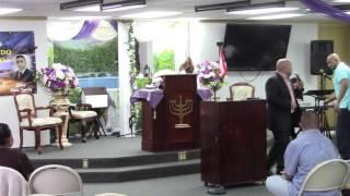 """Evangelista Angel Lopez predicando """"en camino a Gloria que te detiene"""" parte 1"""