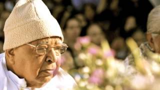 S.N. Goenka - Morning chanting - Day 1