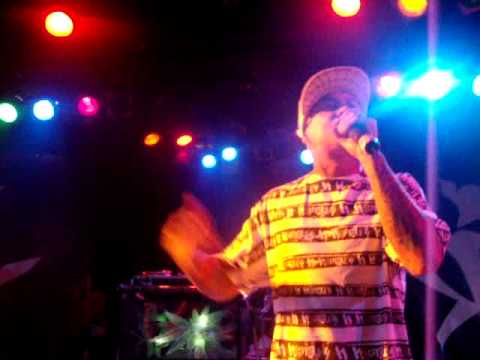 d-loc  solo set from the roxy long live the kings listining party 4-19-10