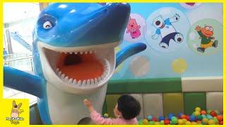 Indoor Playground Family Fun Play Area! Pororo theme park kids cafe toys | MariAndKids Toys
