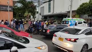 #EnVivo// Un hombre cayó desde la terraza del Holiday en Cúcuta.