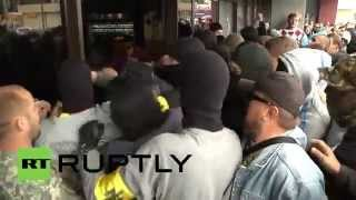 Ukraine: Right Sector storm hotel to attack trade unionists