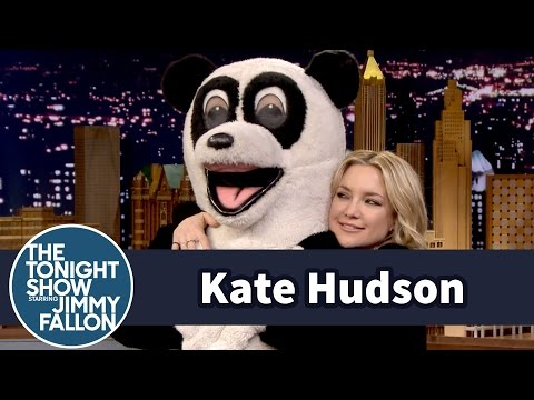 Kate Hudson Cuddles with Hashtag the Panda