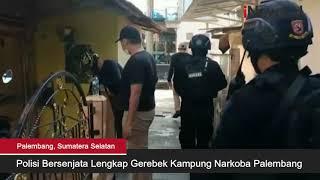 Polisi Bersenjata Lengkap Gerebek Kampung Narkoba di Palembang