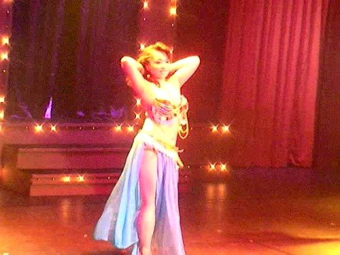 Miss Cabaretta *Burlesque Show Cabaret La Rouge @osaka Japan
