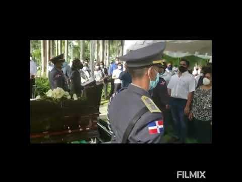 Video: Con la presencia de familiares y amigos despiden al General Florimón, falleció a causa de un infarto.
