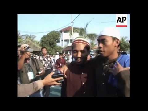 Officials say 2 Bali bombing inmates freed as nation marks holiday