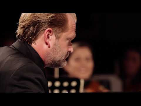 Sebastian Knauer und Festival Strings Lucerne spielen: W.A.Mozart: Klavierkonzert Nr. 19 F-Dur KV459