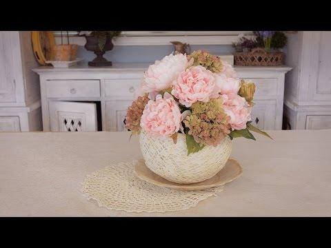 simple-peony-table-flowers-arrangement