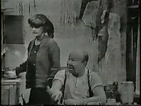 BETTE DAVIS & BERT LAHR HOLLYWOOD PALACE 1965