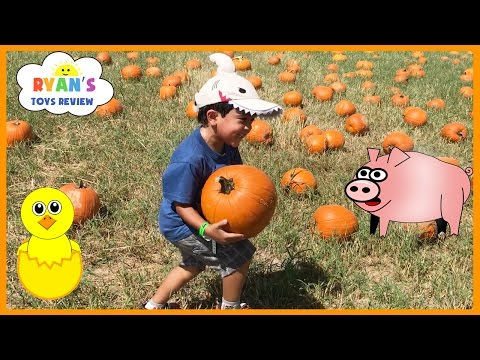 Thumbnail: Kids Family Fun Trip to the Farm Halloween Pumpkin Patch Corn Maze Children Activities Kids Toys