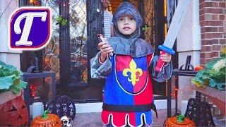 Халовин в Америке ч. 2 – Рыцарь Максим Собирает и Раздаёт Конфеты VLOG макс влог для детей