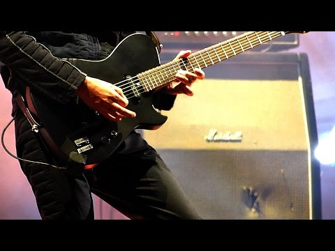MUSE - Reapers - Close-up on Matt's fingers (live solo)