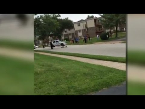 Eyewitness: Brown fell towards officer