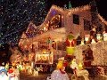 Как украсить двор на Новый Год и празднично нарядить дом внешне (Часть 1)