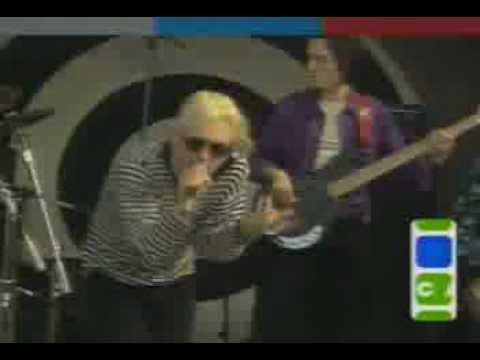 9023ec10196 RadioHead   Creep      Live Mtv Beach House   1994 - YouTube