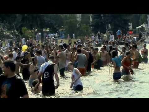 Водная битва на ВВЦ (флешмоб) / Water fight in Moscow (flashmob)