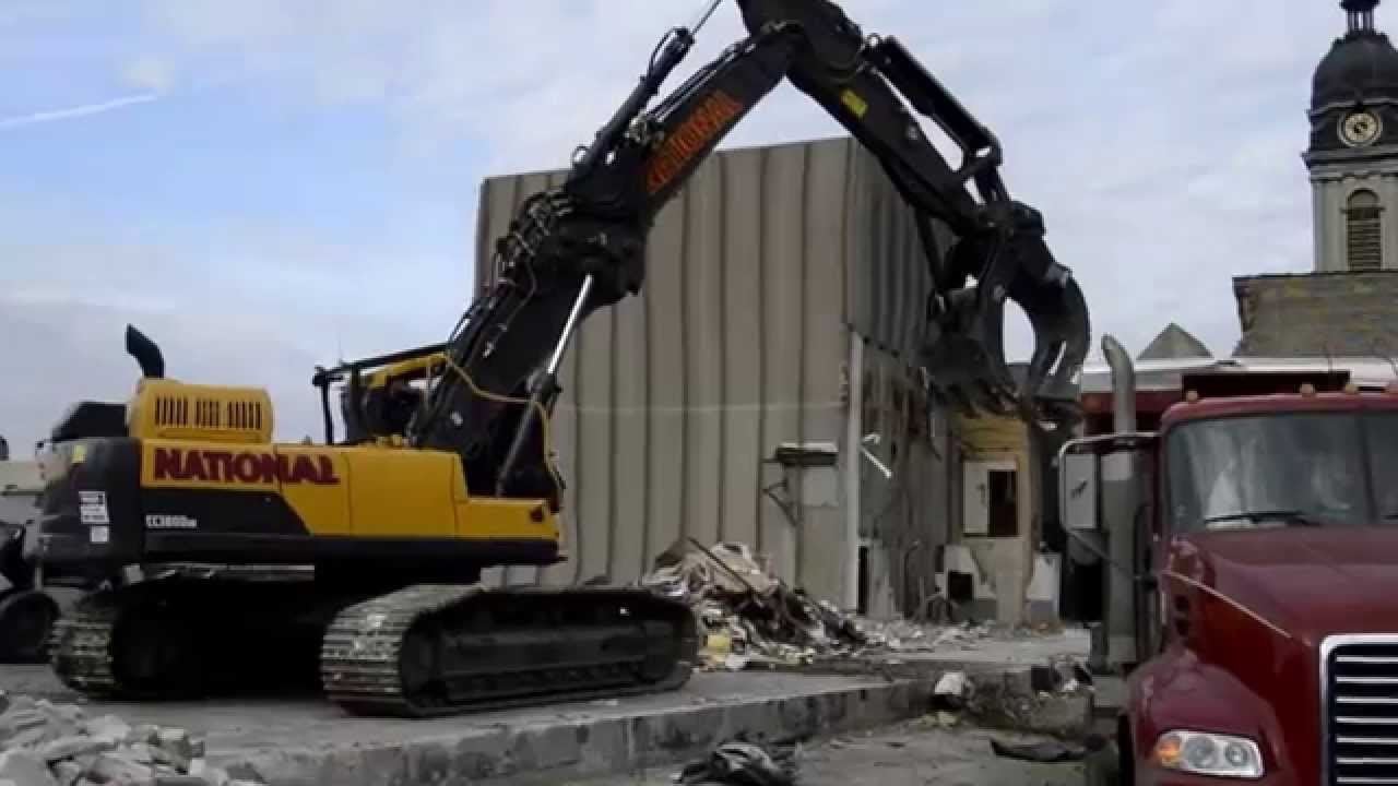 Volvo EC 380D HR with LaBounty HDR70 Grapple - YouTube