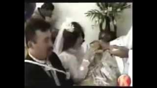 Невеста могла бы и зубы сделать перед свадьбой