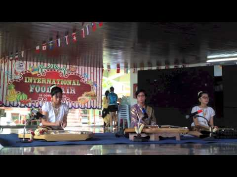 Ruamrudee Cultural Week Thai Music (Food Fair) 2014-15