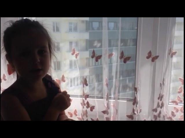 Изображение предпросмотра прочтения – СофияКоваль читает произведение «Молюсь оконному лучу» А.А.Ахматовой