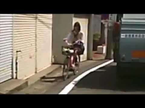 【自転車JK】あっww 風が強い日は   どうしてもこうなりますよねwww