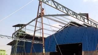Pemasangan Kuda-kuda untuk Atap Gudang - Stafaband
