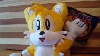 """TOMY Sonic the Hedgehog Collectors Series 8"""" Classic Miles """"Tails"""" Prower Plush In-Hand Review!"""