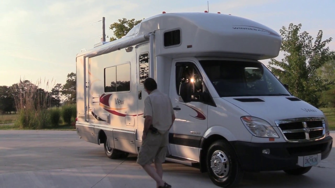 How To Remove Black Streaks and Wax your RV Motor home cheap