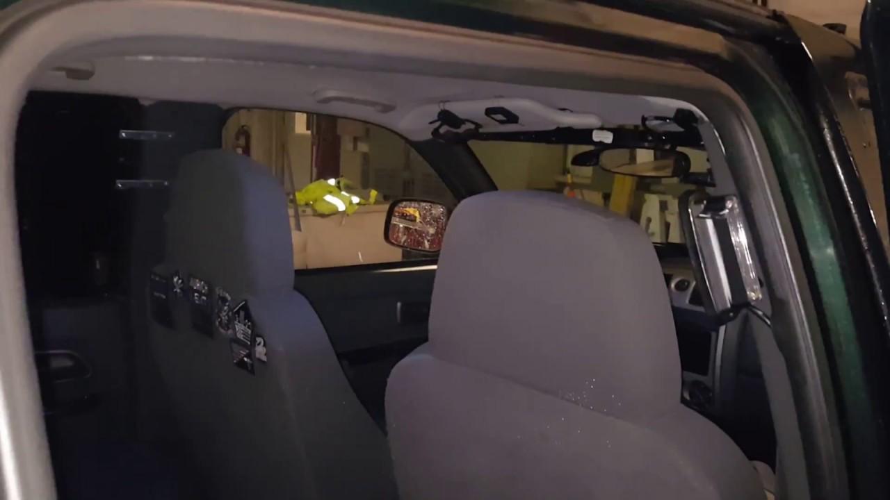 Interior emergency lights 2004 chevy colorado pov youtube for Chevy colorado interior lights