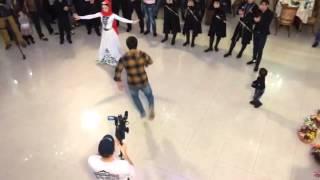 Чеченец классно танцует..... супер...
