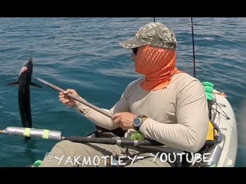 Vlog #89 – Kayak Fishing- SPEAR GAFF!!