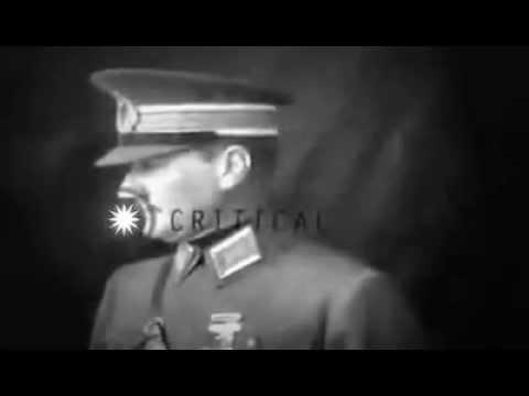 Mustafa Kemal Atatürk Fotoğraf çektiriyor..