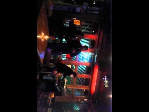 Karaoke kel sorprendente