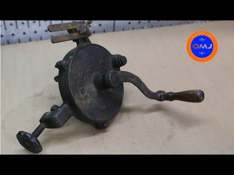 Vintage Hand-Crank Grinder Restoration
